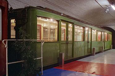 Bb.753 exposée dans une station fermée