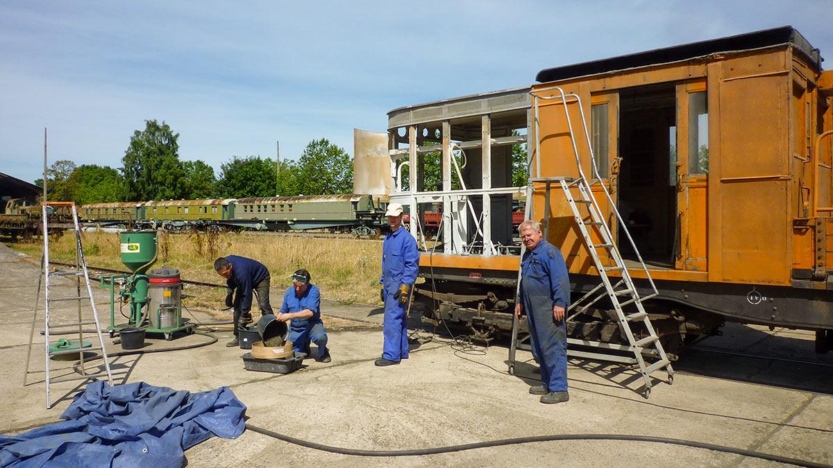 Travaux sur le tracteur Sprague-Thomson T.91 de l'Ademas